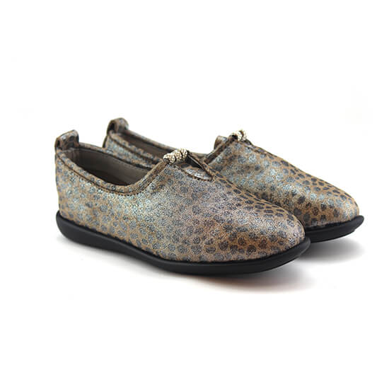 נעל מוקסין יהלום עור צבי בצבע נמר כסוף