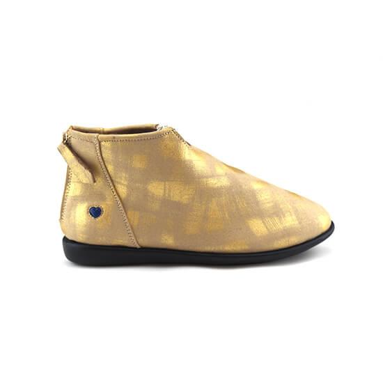 מגפון יהלום עור צבי רך במיוחד בצבע זהב