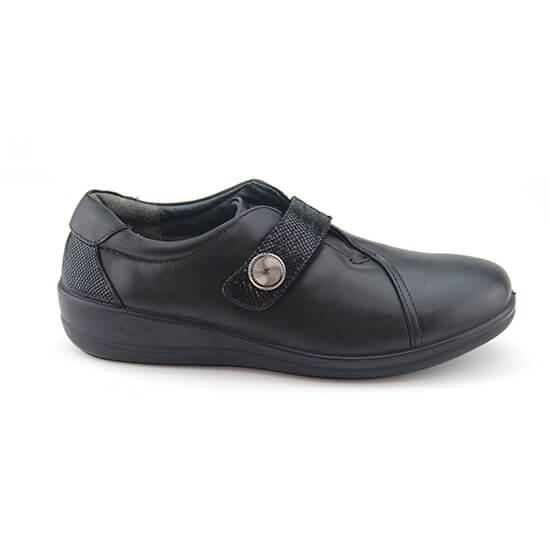 נעליים אורטופדיות סגורות עם סגירת סקוץ