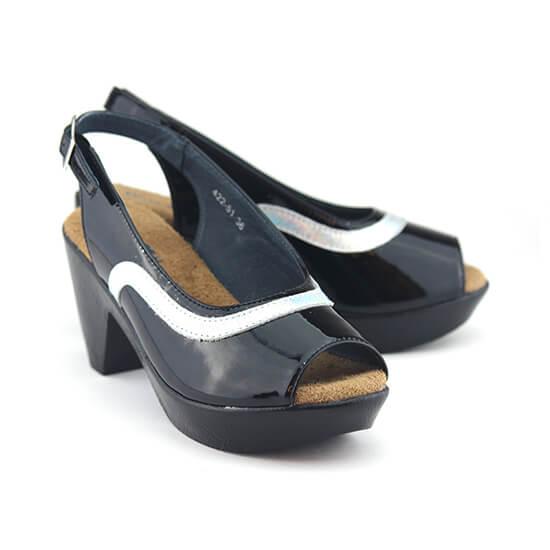נעלי סירה פתוחות באצבעות עם רצועה אחורית