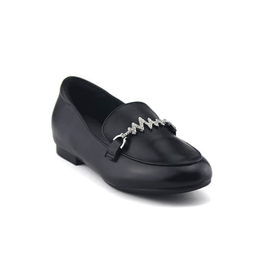 נעלי מוקסין עם אבזם זיגזג יהלומים