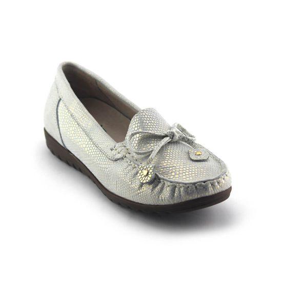 נעלי מוקסין בעיצוב עור נפה מנוחש