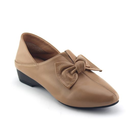 נעל פפיון עור נפה בצבע חול