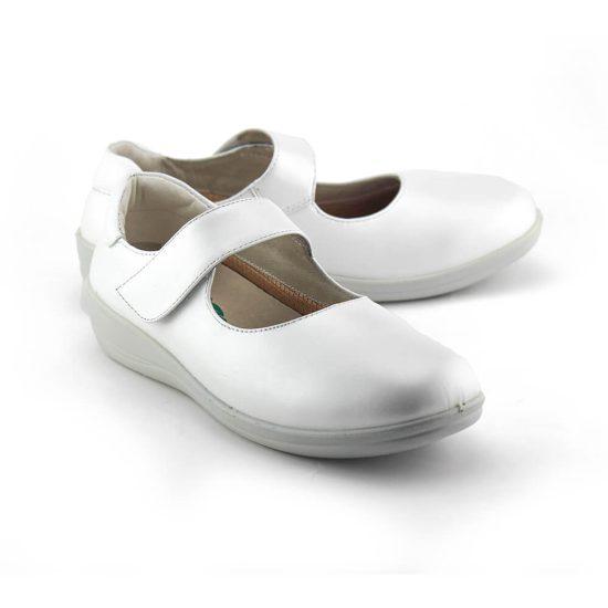 נעל בובה אורתופדית